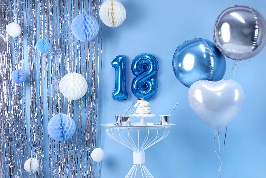 Für Jungs und Mädels ist der 18. Geburtstag superwichtig - deshalb: VIEL DEKO