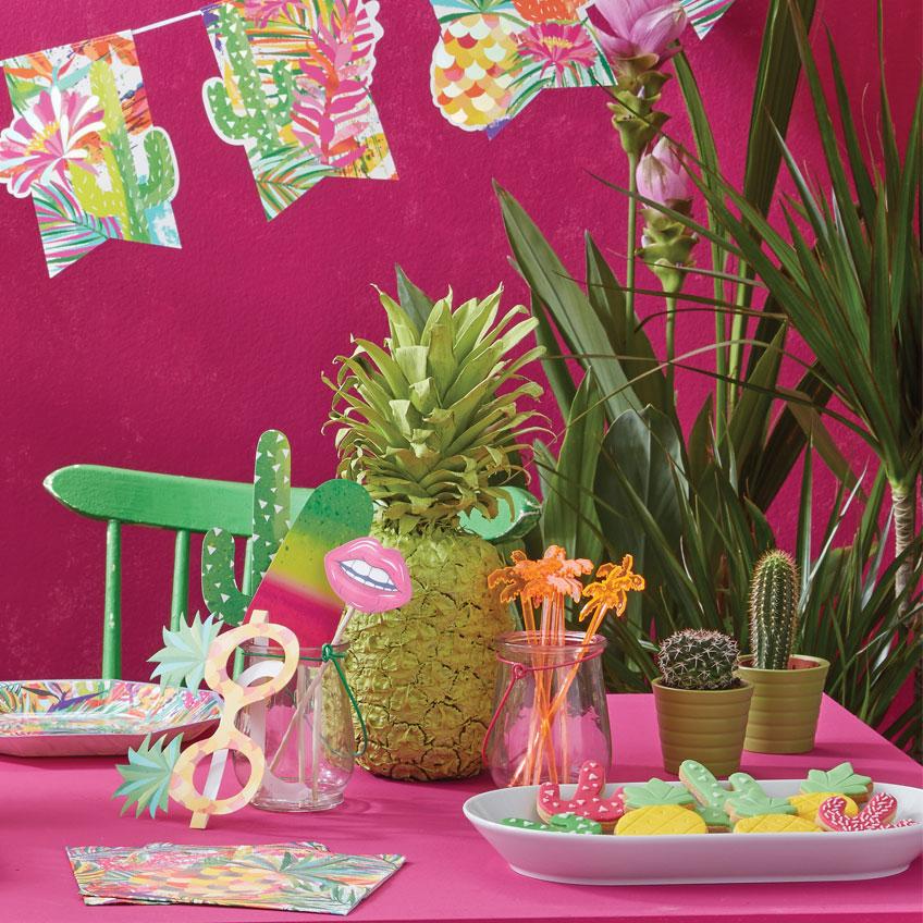 Ananas Partydeko ist ein heißer und leckerer Trend für eure Sommerparty.
