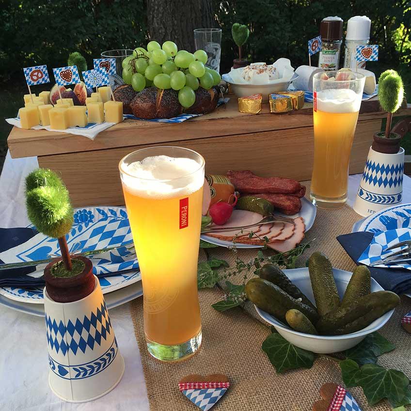 Oktoberfest zu Hause - So könnt ihr eure bayrische Brotzeit dekorieren