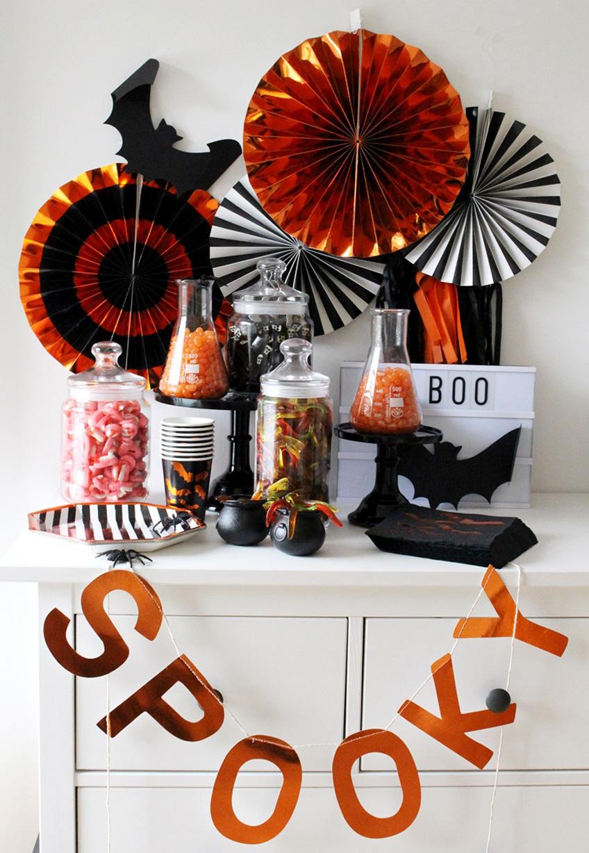 Die Candy Bar zu Halloween schimmert in den passenden Farben