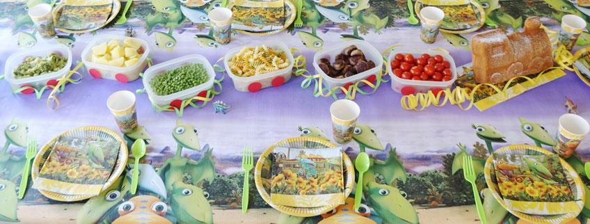 Mittagessen für den Kindergeburtstag in Zug-Waggon-Schalen