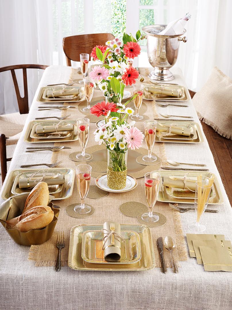 Ein schön gedeckter Tisch ist die halbe Miete beim Sonntagsbrunch.