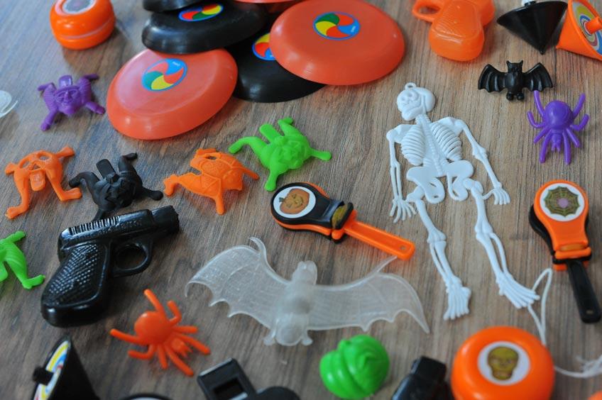 Mach den Kids mit Halloween-Mitgebseln eine Freude