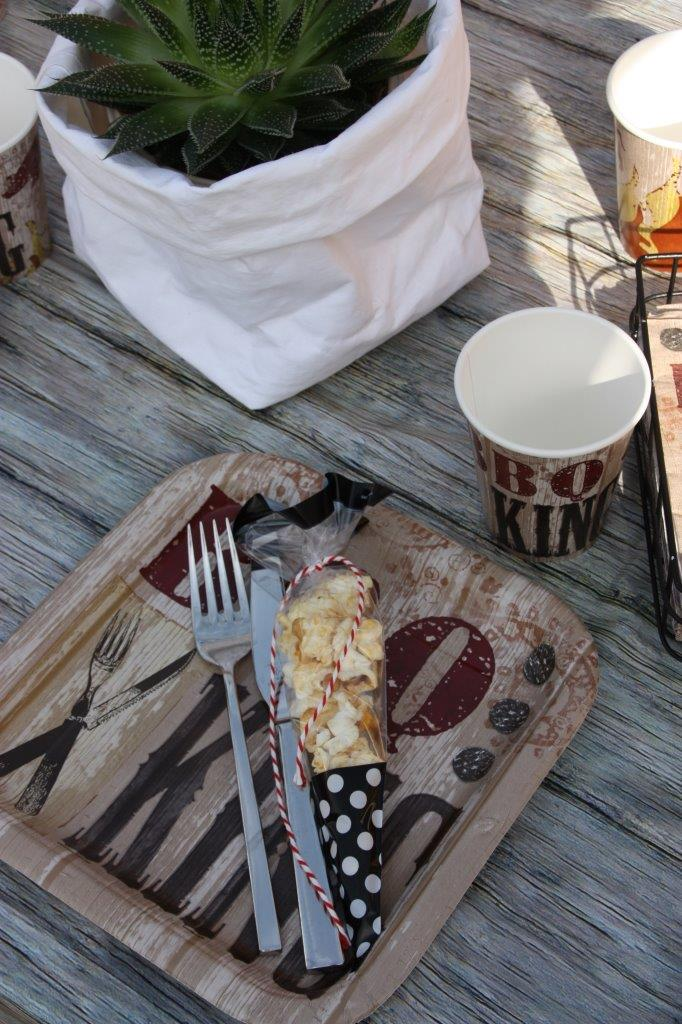 Motto Grillparty - BBQ Kings und Queens und Grillmaster kommen mit dieser Deko auf ihre Kosten © Monefaktur