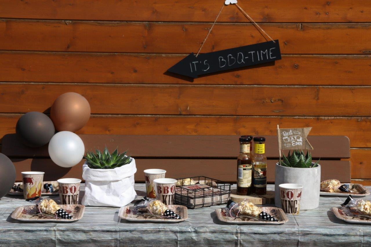 """Die richtige Deko für alle """"Grill Master"""" - mit der passenden Partydeko kommt BBQ-Stimmung auf! © Monefaktur"""