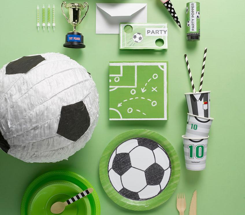 Mit cooler Deko fühlen sich deine Fußballparty-Gäste wie live dabei