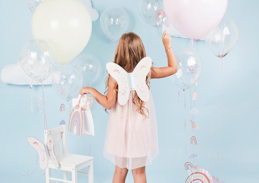 Bei uns im Shop findest du wunderschöne Deko für magische Kindergeburtstags-Mottos
