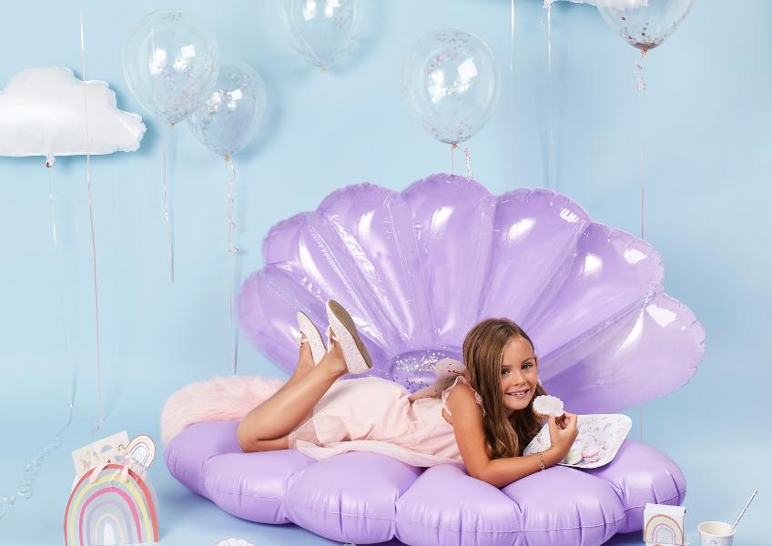 Ein Kindergeburtstag mit Regenbogen- und Unterwasser-Motto lässt sich toll umsetzen!