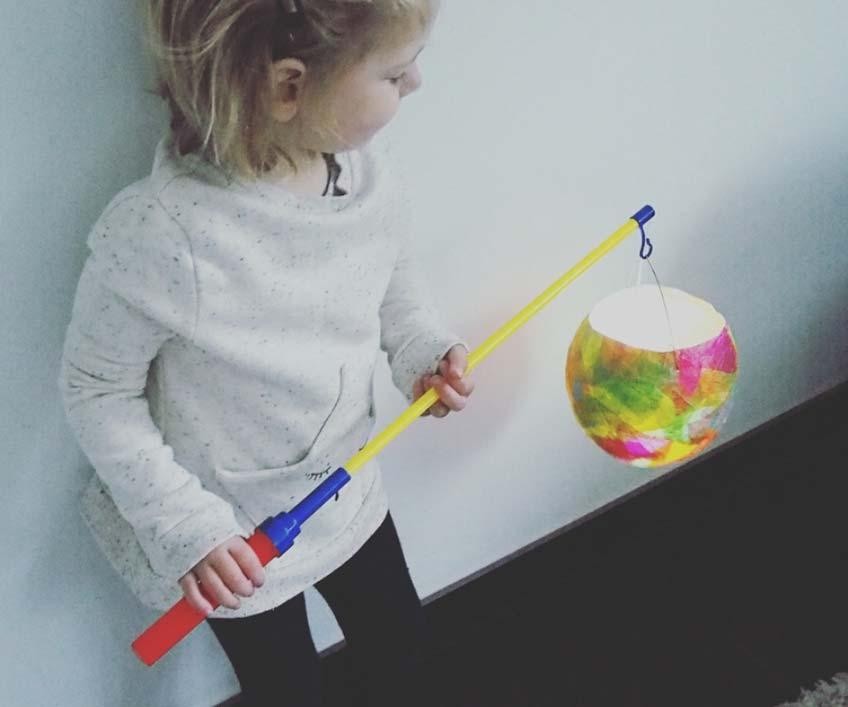 Mit der Ballon-DIY-Laterne kann der Martinstag kommen (c) Karin Fischer