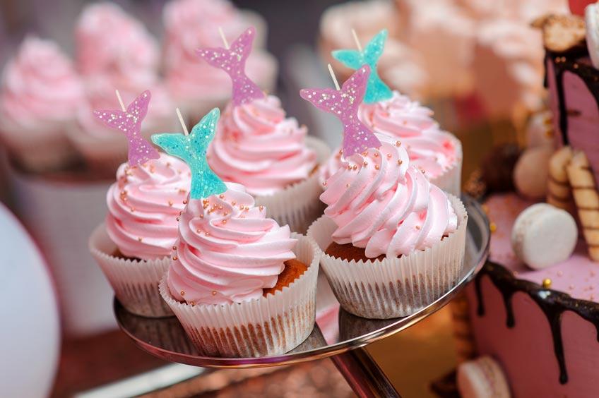 Schmücke deine Cupcakes zum Kindergeburtstag mit Motto Meerjungfrau mit Schwanzflossen-Kerzen