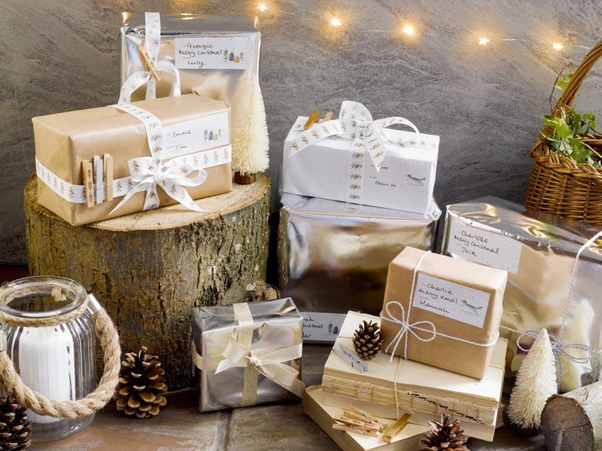 """Natürliche Geschenkverpackung macht die Weihnachtsgeschenke """"hyggelig"""""""