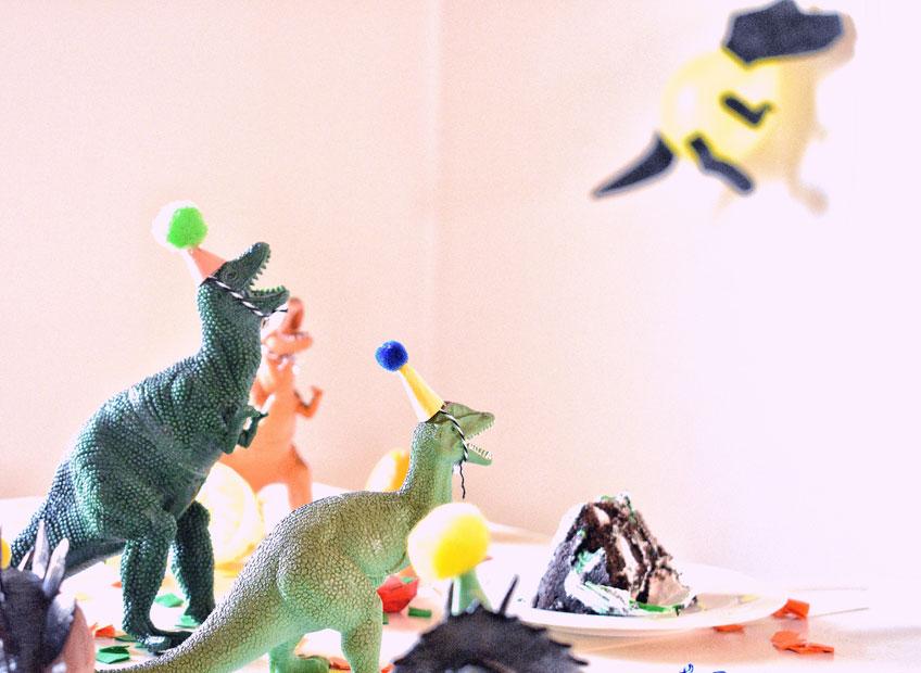 Mit Deko, Geschenken und Kreativität tröstet du über den ausfallenden Kindergeburtstag hinweg (c) Joyce Adams