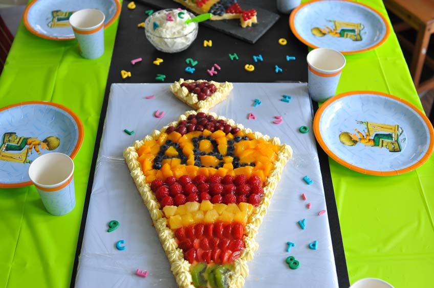 Der ABC-Kuchen als Schultüte ist originell und einfach zum Schulanfang