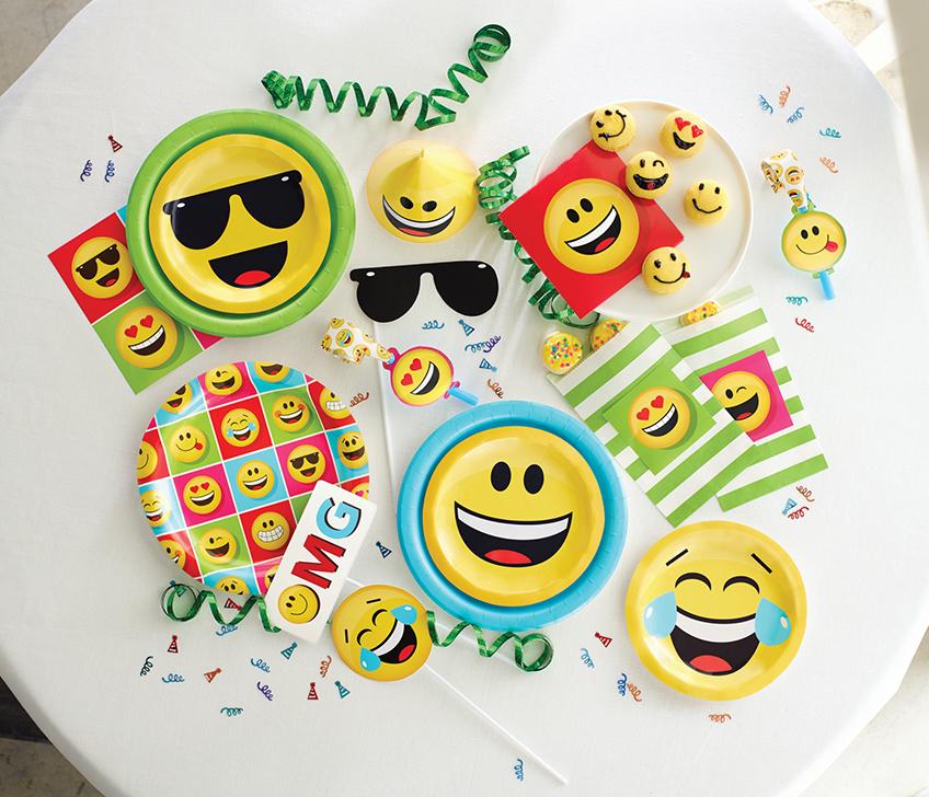 Mit der Emoji-Deko wird eure Feier auf jeden Fall weniger förmlich und eher lässig