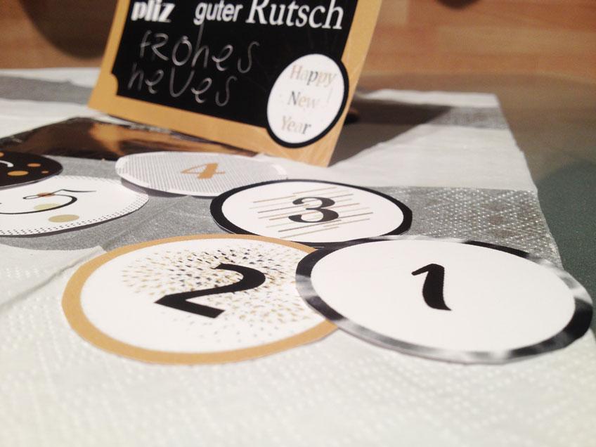 Der Countdown läuft! Ihr könnt die DIY-Schildchen als Cupcake Topper oder Tischdeko verwenden