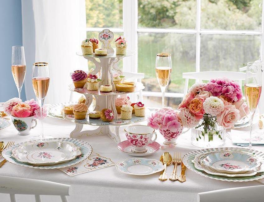 Zum späteren Tea-Party-Brunch passen auch warme Gerichte