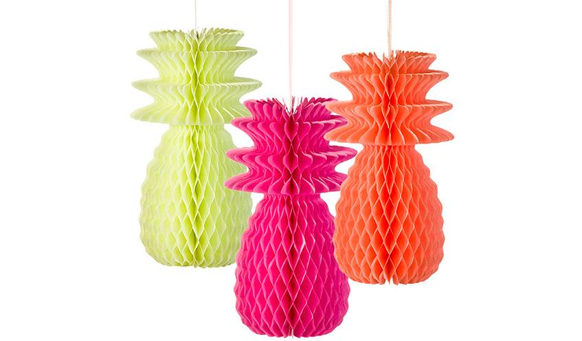 Wabenball Ananas in kräftigen Neon Farben zaubern Sommerstimmung