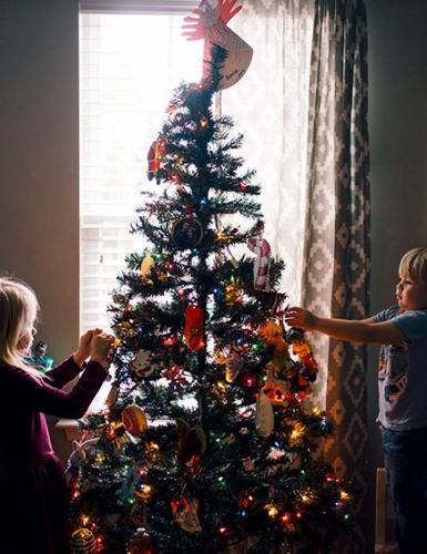 Mach den Advent kuschelig und besonders mit unserem Familien-Adventsplan(c) Jeremy McKnight on Unsplash