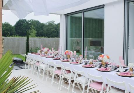 Dekoriere deinen Tisch für dein Geburtstagsdinner wie diesen und erstaune deine Gäste (c) Voth Immobilien