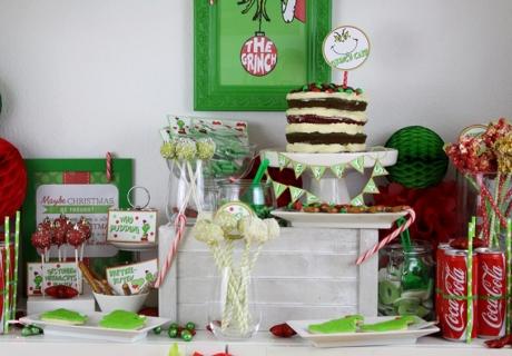 Sweet Table mit Motto: Gestohlene Weihnachtsleckereien und grinch-ige Candy Bar Dekoration