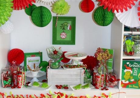 Bunt und fröhlich wird's zum Weihnachtsfest mit kräftiger Rot-Grüner Deko und dem Grinch!