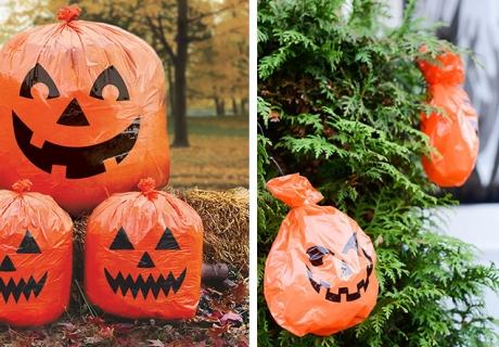 Halloween-Laubsäcke im Kürbisformat befreien den Garten von Laub und geben tolle Deko ab