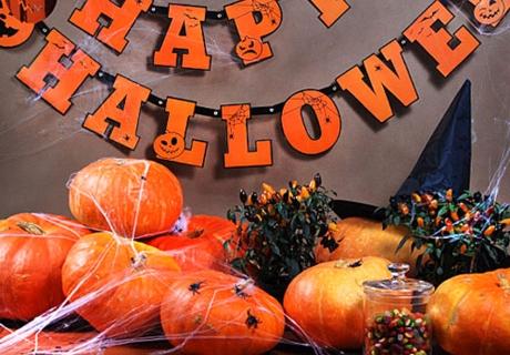 Die Geschichte von Halloween und die bekanntesten Bräuche für euch erklärt