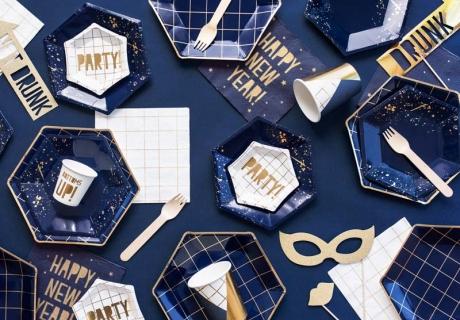 Silvesterdeko in Navyblue - So stylisch kann deine Silvesterparty mit Freunden aussehen