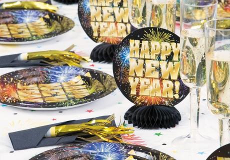 Tolles Dekogeschirr zu Silvester mit Feuerwerk und Goldschrift