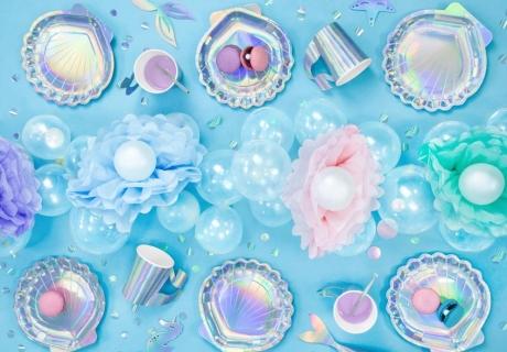 Der Knüller zur Meerjungfrauen-Party ist schillernde Deko - in unserem Shop findest du wunderschöne Motive dazu