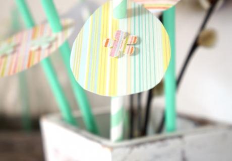 So schnell und einfach bekommt ihr supergoldige Osterdeko am Papierstrohhalm für euren frühlingshaften Tisch