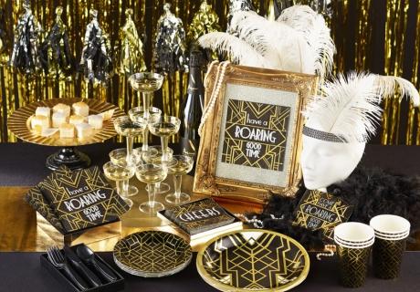Feier Silvester pompös im 20er-Jahre-Stil