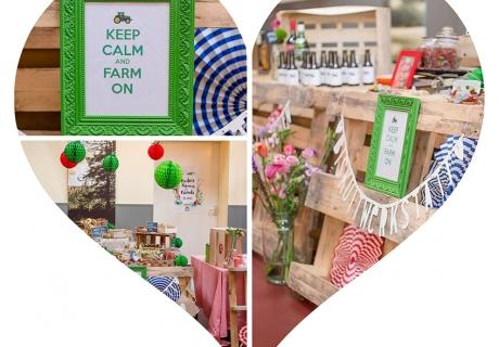 Landliebe - Dekor wie auf dem Obst- und Gemüsemarkt mit DIY-Apfelwabenbällen